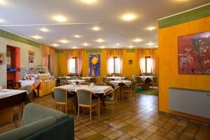 Hotel-ristorante-pizzeria-benedetti-spoleto-umbria-colazione